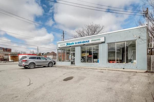927 King Street E, Hamilton