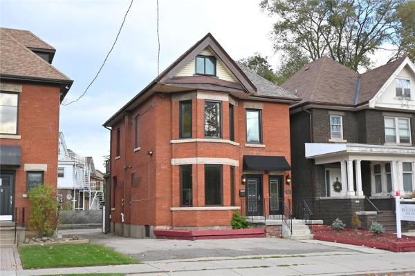 1031 Main Street E, Hamilton