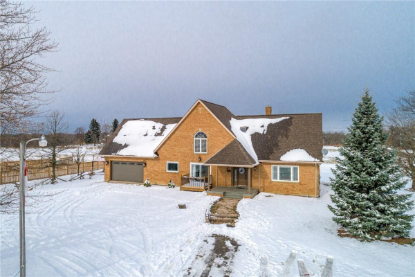 2832 Glancaster Road, Ancaster