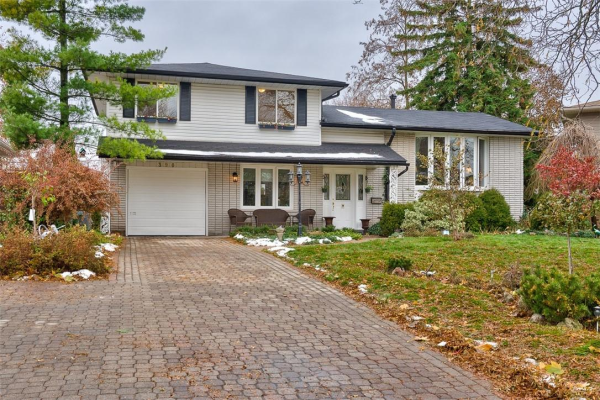 390 BRYANT Crescent, Burlington
