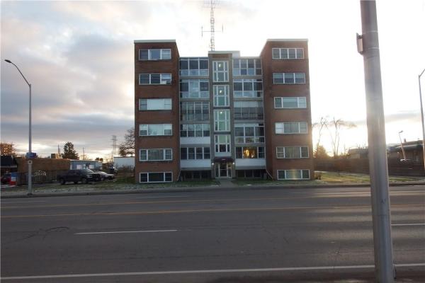 1 824 Brant Street, Burlington