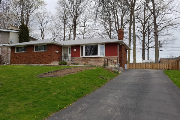 1461 Moss Glen Road, Burlington