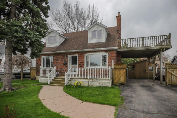 61 Lakeside Drive, Grimsby