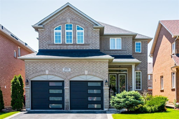 2428 Highmount Crescent, Oakville