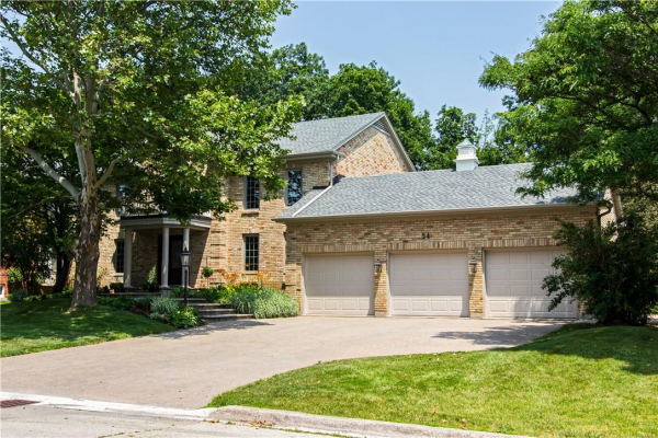54 Flanders Drive, Waterdown