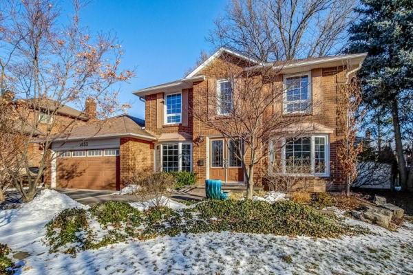 2053 SUGAR MAPLE Court, Burlington