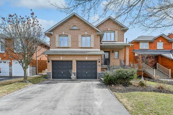 78 Niska Drive, Waterdown
