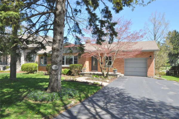 153 Colleen Crescent, Ancaster