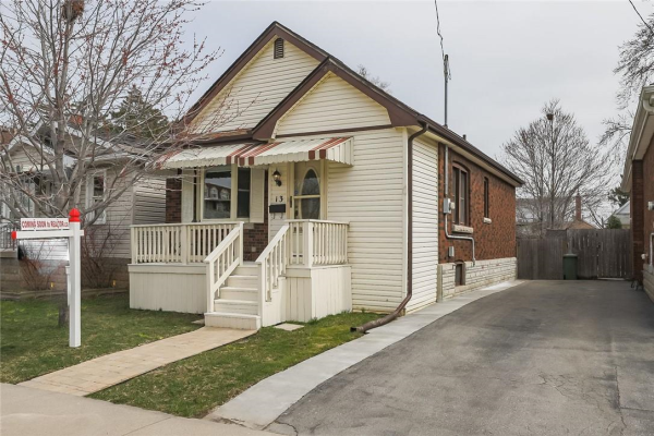 13 TRAGINA Avenue S, Hamilton