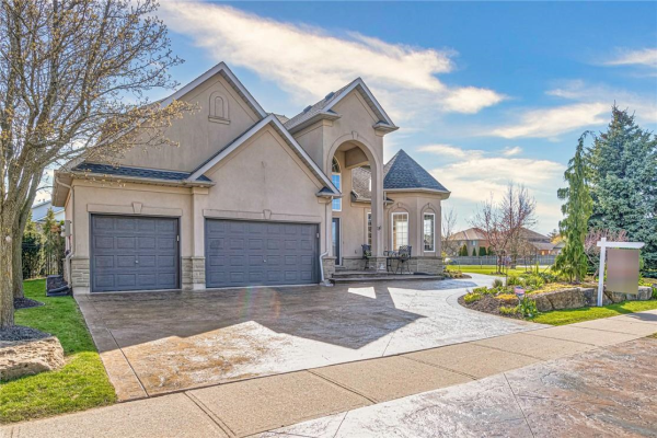 130 Meadowbrook Drive, Ancaster