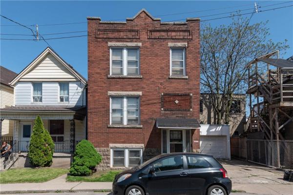44 CHESTNUT Avenue, Hamilton