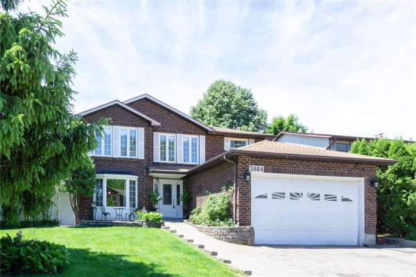2084 FALLINGBROOK Court, Burlington