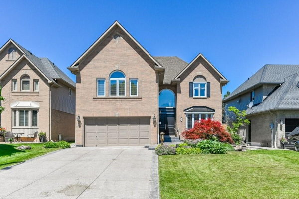 80 CITATION Crescent, Ancaster