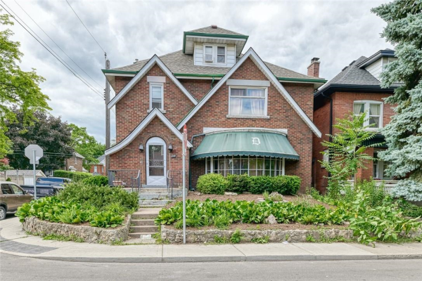 38 Barnsdale Avenue S, Hamilton