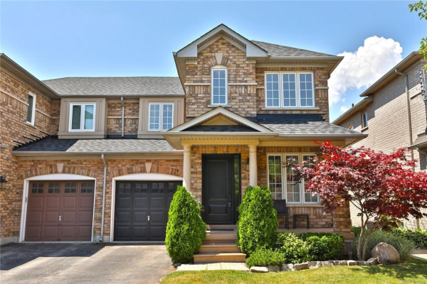 524 Delphine Drive, Burlington
