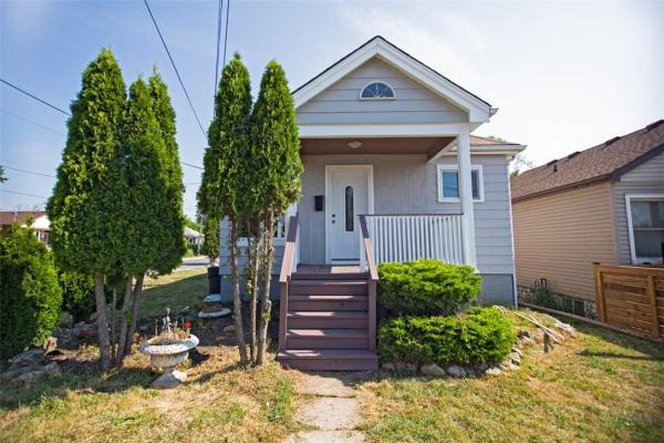 771 Rennie Street, Hamilton