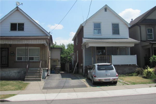 126 CAVELL Avenue, Hamilton