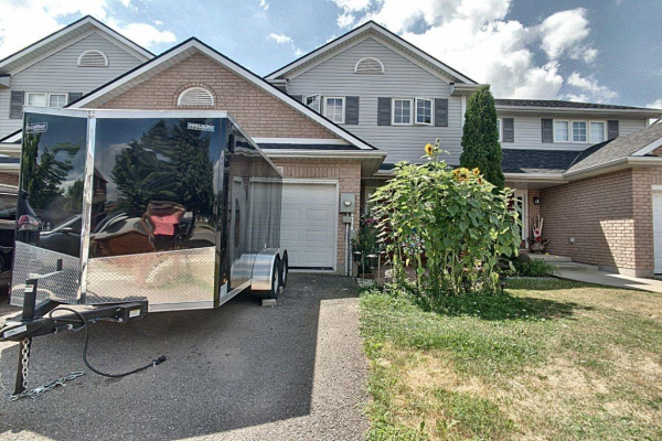 4396 CHRISTOPHER Court, Beamsville