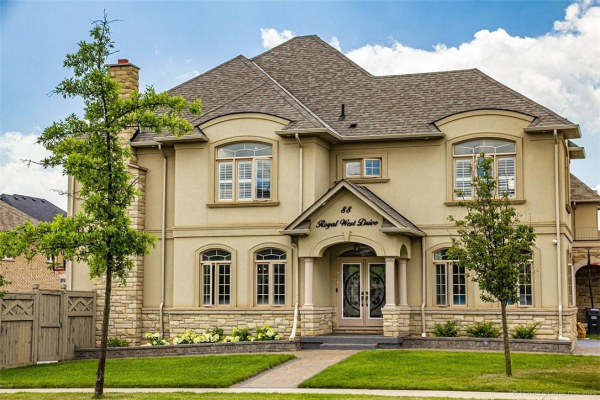 88 Royal West Drive, Brampton