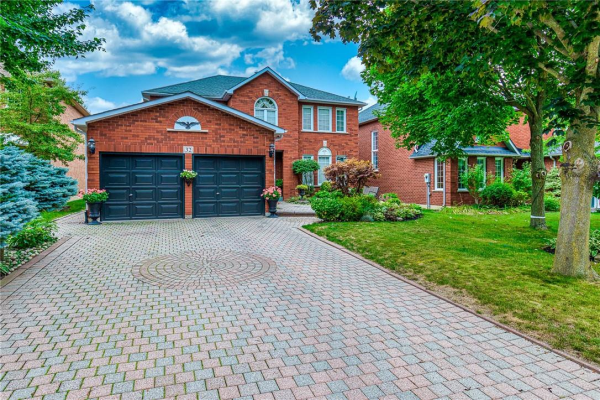 32 THORNTON Trail, Dundas