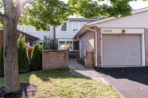 5282 Bromley Road, Burlington