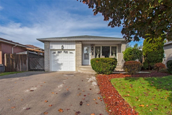 133 Ironwood Crescent, Hamilton