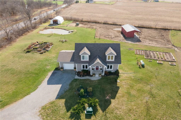 2350 Caistor Gainsborough Townline Road, Smithville