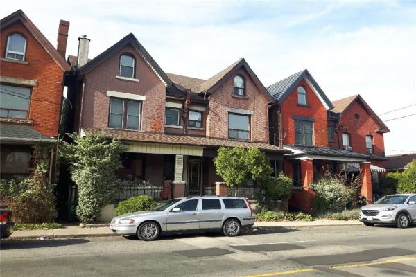 211 JOHN Street N, Hamilton