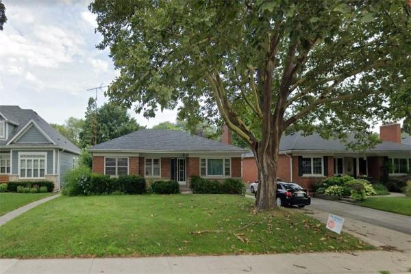 2137 COURTLAND Drive, Burlington