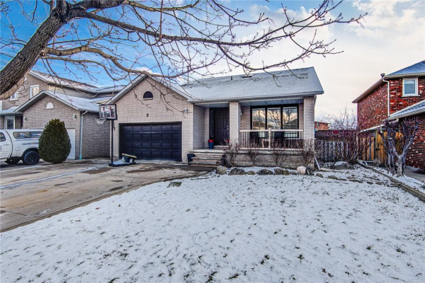 8 Tyler Drive, Stoney Creek