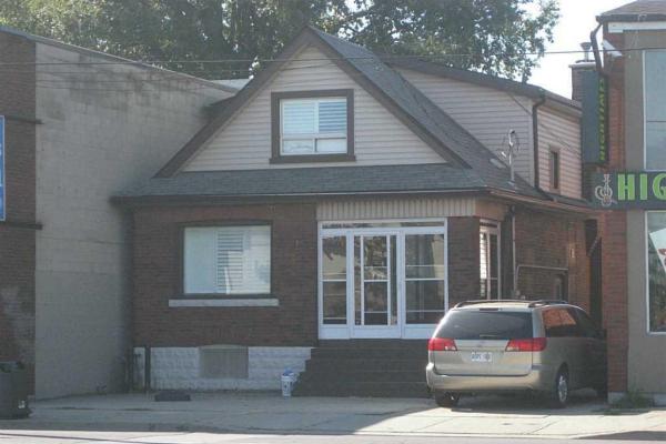 1290 Barton Street E, Hamilton