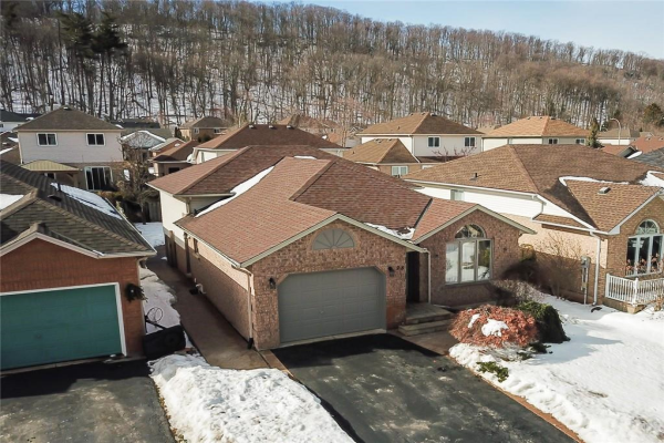 28 COLONIAL Crescent, Grimsby