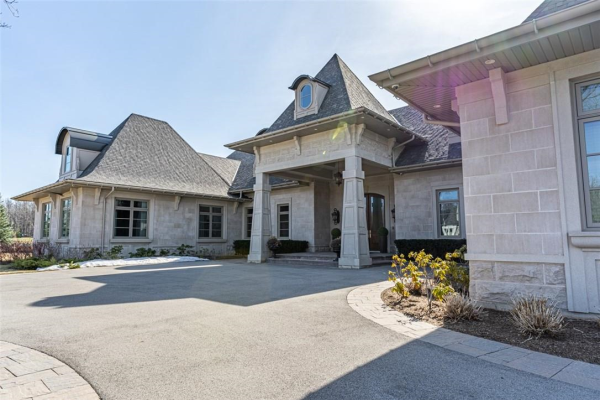 4484 Escarpment Drive, Burlington