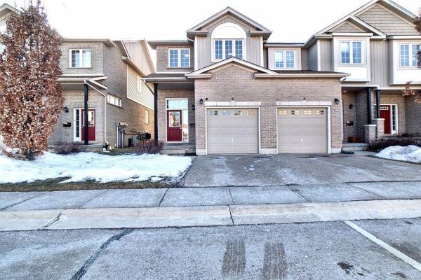 4 105 Pinnacle Drive, Kitchener