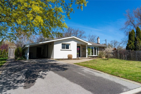 5409 MERICOURT Road, Burlington
