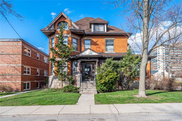 144 Robinson Street, Hamilton