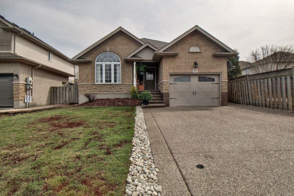 97 GRIFFITH Drive, Grimsby