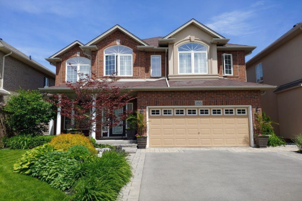 255 CHAMBERS Drive, Ancaster