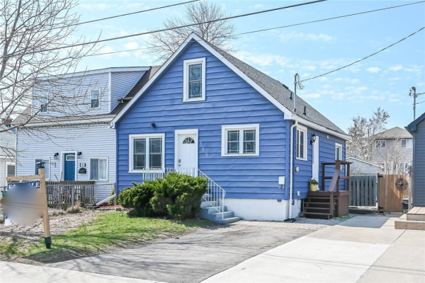 585 Corbett Street, Hamilton