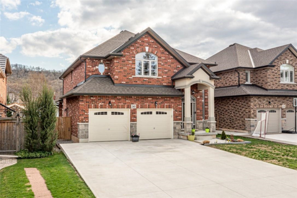 240 HELENA Avenue, Stoney Creek