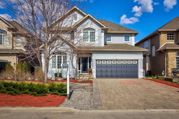 54 CAMP Drive, Ancaster