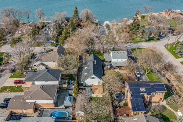 32 LAKEVIEW Drive, Stoney Creek