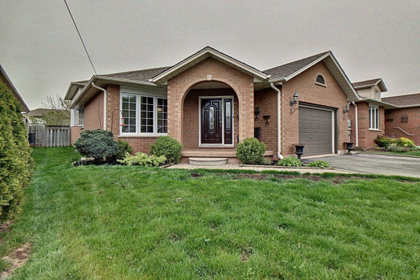 17 Colonial Crescent, Grimsby