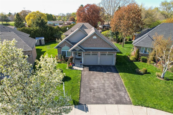 55 GRIFFITH Drive, Grimsby