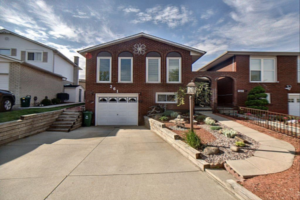 261 MACINTOSH Drive, Stoney Creek