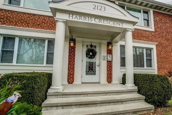 2 2123 HARRIS Crescent, Burlington