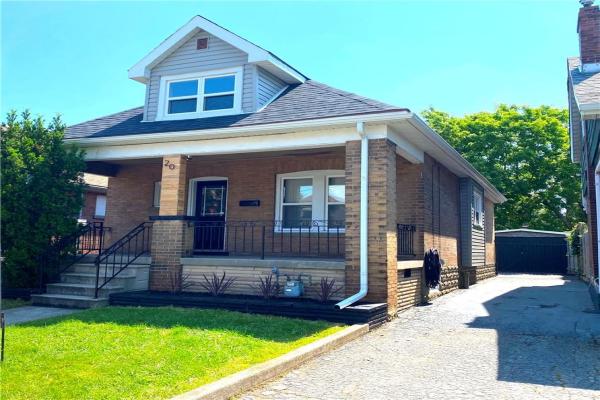 20 Connaught Avenue N, Hamilton