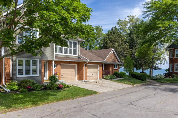 17 375 Book Road, Grimsby