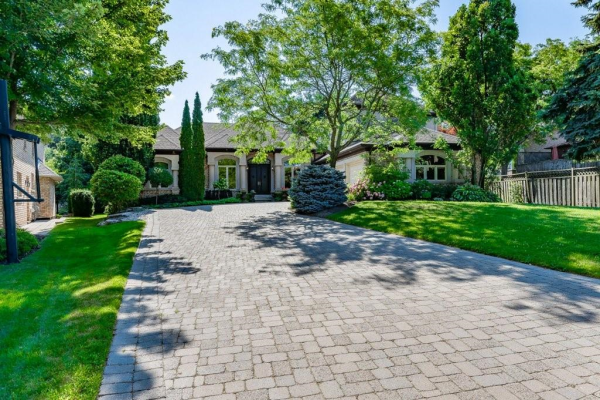 238 Wilderness Drive, Ancaster