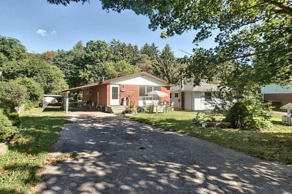 100 Oakwood Avenue, Simcoe